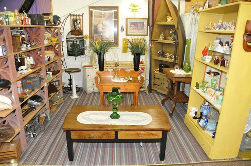 I-29 Antiques & Collectibles